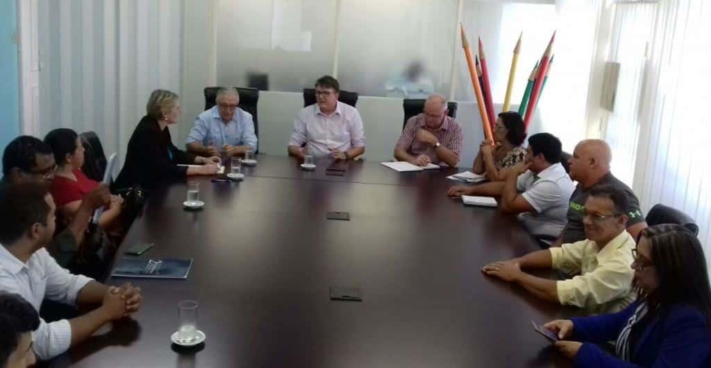 Comunidade escolar da EEB Felipe Schmidt acompanhou a audiência com o secretário