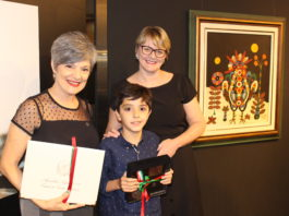 Familiares de Meyer Filho recebem homenagem